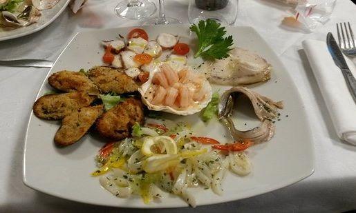 Cena A Base Di Pesce In Onore Della Festa Della Liberazione All